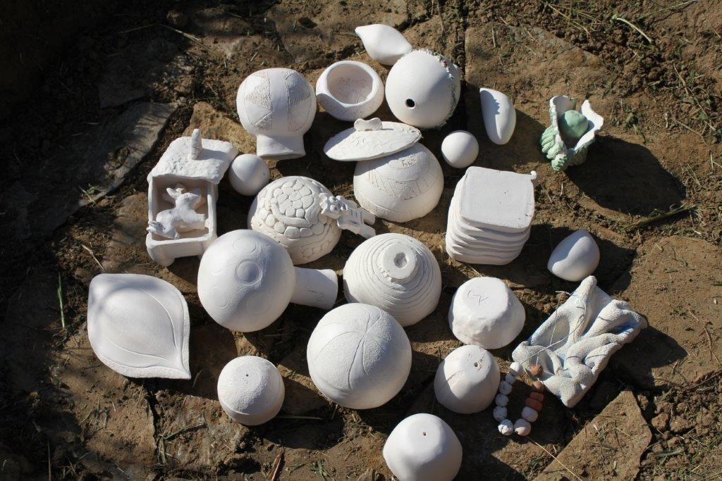 Ton Objekte vor dem Feldbrand in der Grube - Foto: Archiv Familie Wascher