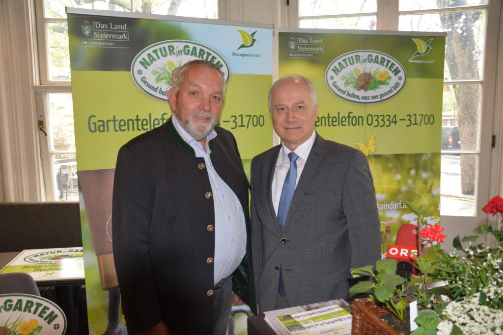 Alois Wascher mit Landesrat Johann Seitinger - Foto copyright Ökoregion Kaindorf