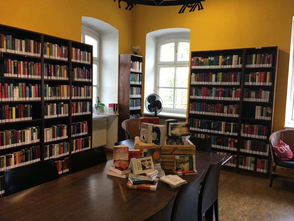 Bibliothek im Kunsthaus Köflach - sehr empfehlenswert