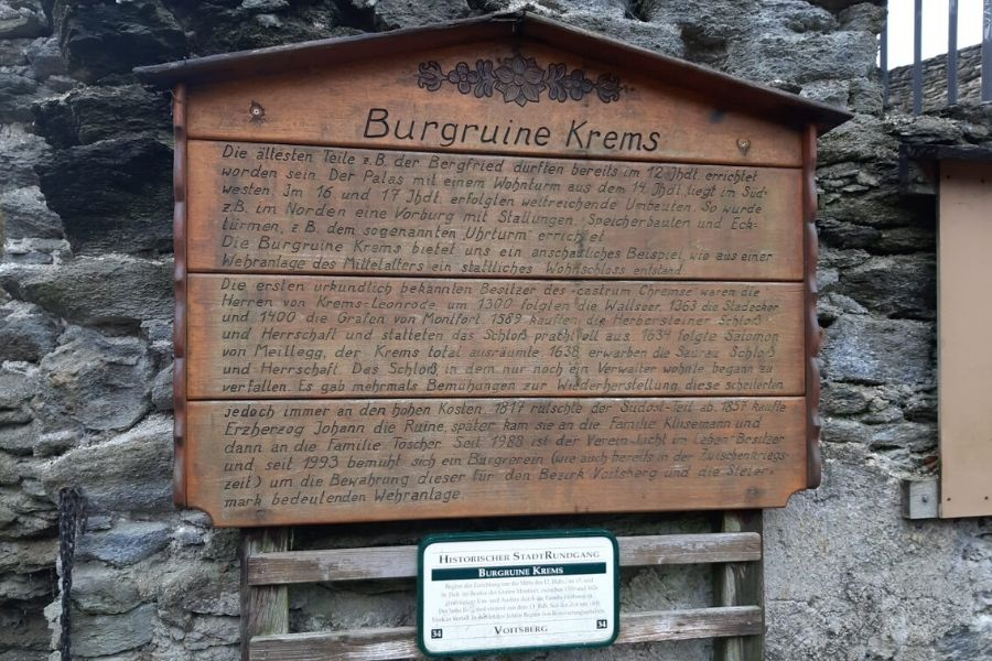 Tafel Burgruine Krems - Historischer Stadtrundgang Voirtsberg